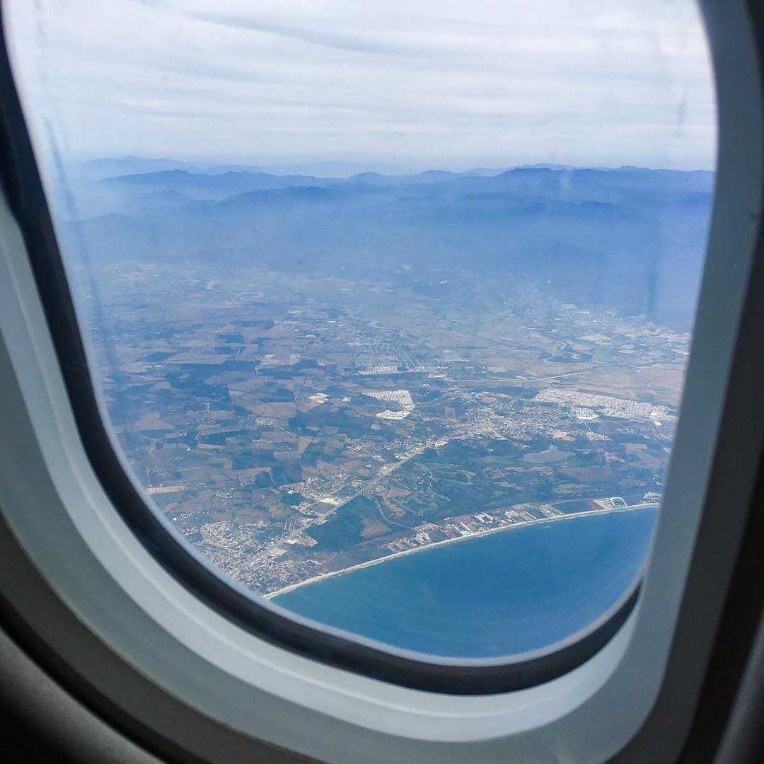 Awesome Best Plane Window Seat View Between Puerto Vallarta And Montreal Beatyapartments Chair Design Images Beatyapartmentscom